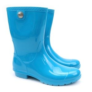 UGG Sienna Enamel Blue Sheepskin Rain Slickers NEW